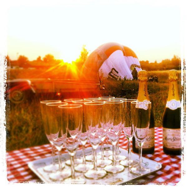 Champagne og ballonflyvning hænger sammen